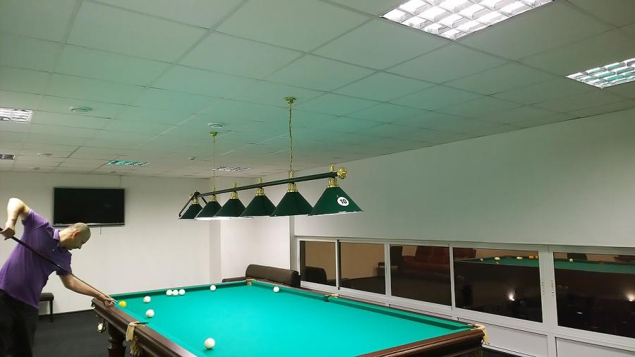 Продам светодиодные лампы приблизительно на 40 вт для точечных светильников (5 шт)